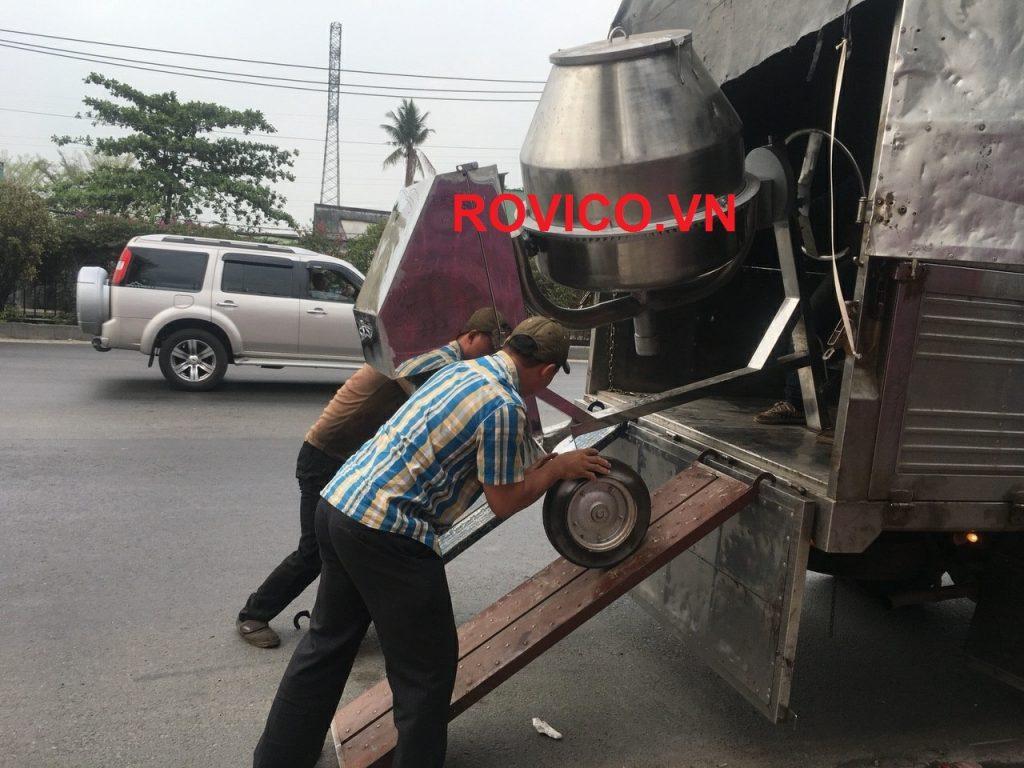 Đơn hàng máy trộn bê tông inox giao đi Bình Dương